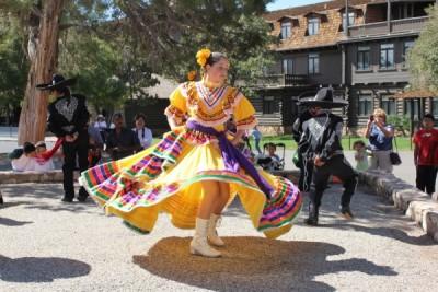 Ballet Folklorico de Colores in Concert