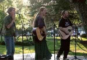 Concerts in the Park: Porchlights