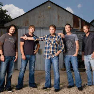 Randy Rogers Band with Special Guest Wade Bowen