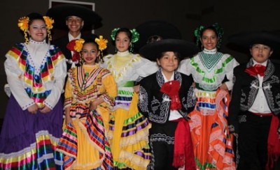 Downtown Friday Nights: TheatriKIDS & Ballet Folklorico de Colores